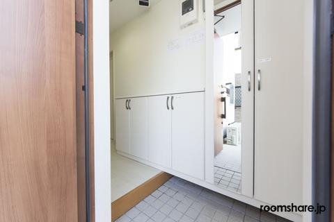Japan accommodation 下駄箱